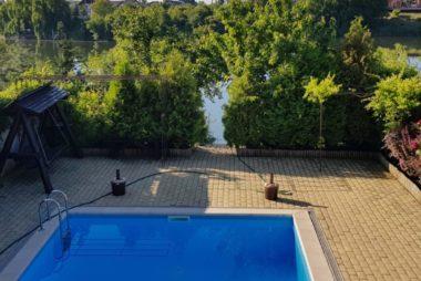 Vanzare vila Balotesti piscina si gradina